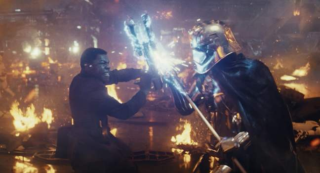 Finn and Captain Phasma battle